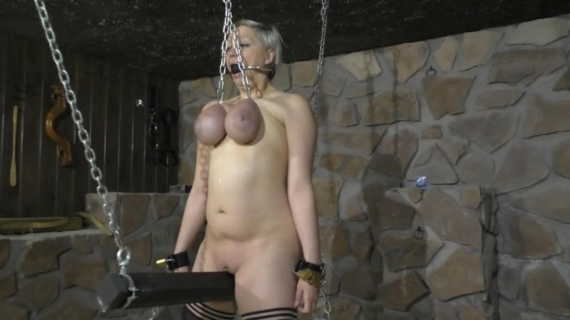 Breast Hanging on the Spanish Horse (bip079). May 12 2018. Breastsinpain.com (358 Mb)