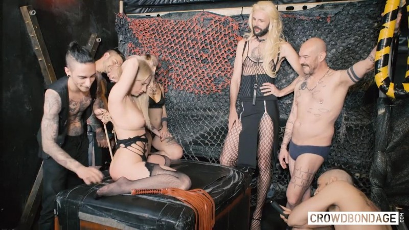 First Bdsm Session – Angela Vidal and Juan Lucho. CROWD BONDAGE (884 Mb)