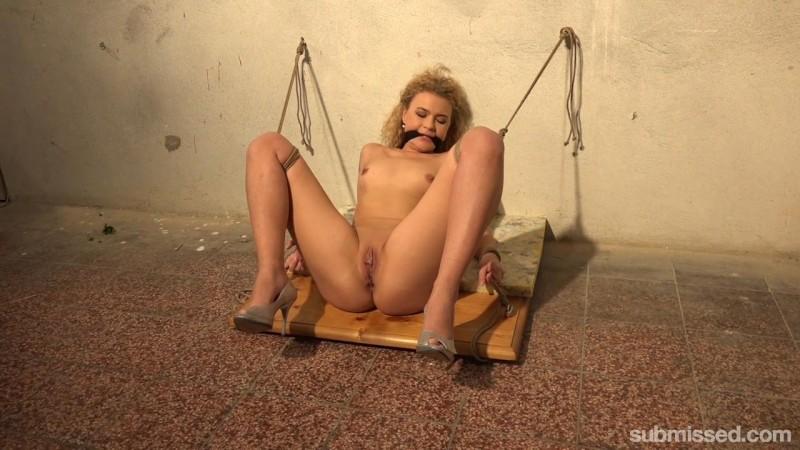 Bound Blonde Babe Gets Machine-Fucked In The Basement – Angel Diamonds. MachineDom.com (287 Mb)
