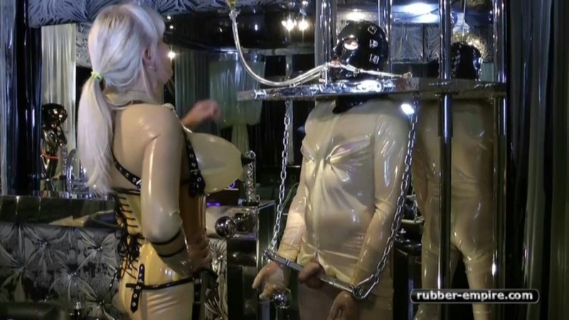Madame Gillette – 2 Rubbertoys to play. Rubber-empire.com (1138 Mb)