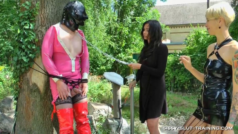 Outdoor Degradation. Sissy-slut-training.com (319 Mb)