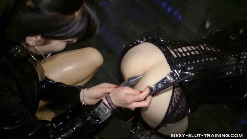 Sissy learn to walk. Sissy-slut-training.com (455 Mb)