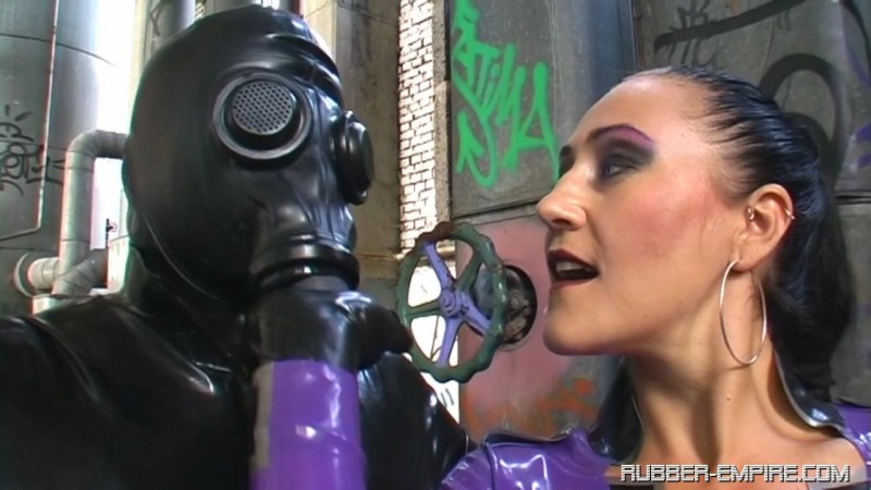 The Baroness – Trapped in a Rubber Jail. Rubber-empire.com (1113 Mb)