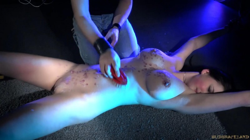 Unresolved pain – Bella Diamond. SubSpaceLand.com (507 Mb)