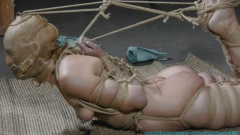 I Try Out My New M0Co Jute and Hood on Rachel. Futilestruggles.com (1655 Mb)