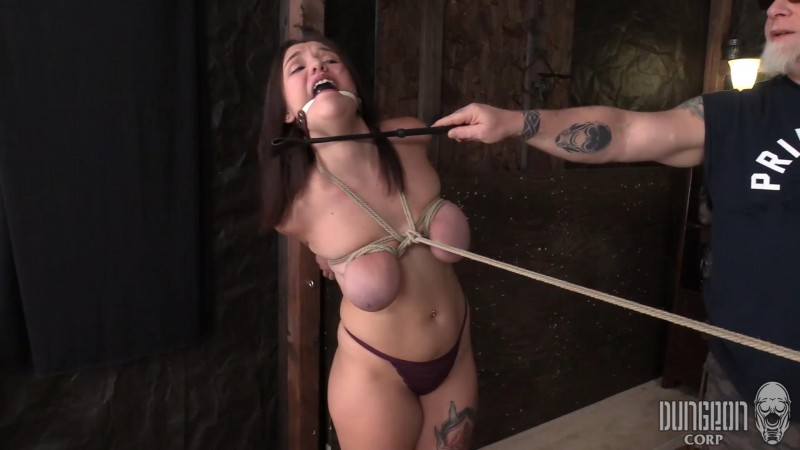 We Love that She Loves it – April Dawn. Dungeoncorp.com (1101 Mb)
