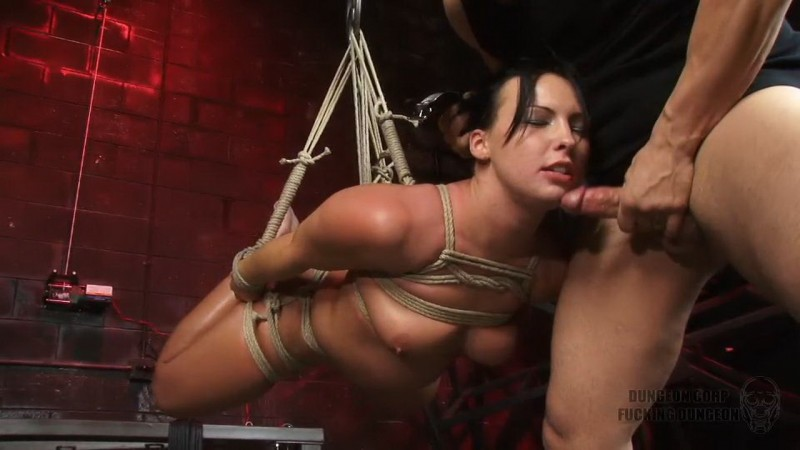 Wearing Her Down – Katie Kayne. Dungeoncorp.com (429 Mb)