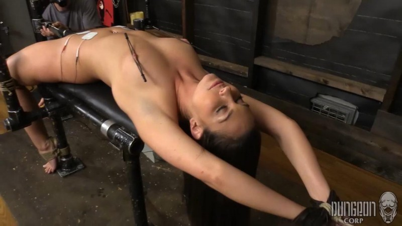 Bondage Makes Brittany Wet – Brittany Shae. Dungeoncorp.com (607 Mb)