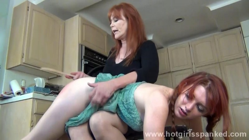 Veronica Spanked by Mom in Kitchen – Pledge Veronica Ricci, Veronica's Mom, Episode 173. SpankingsororityGirls.com (113 Mb)