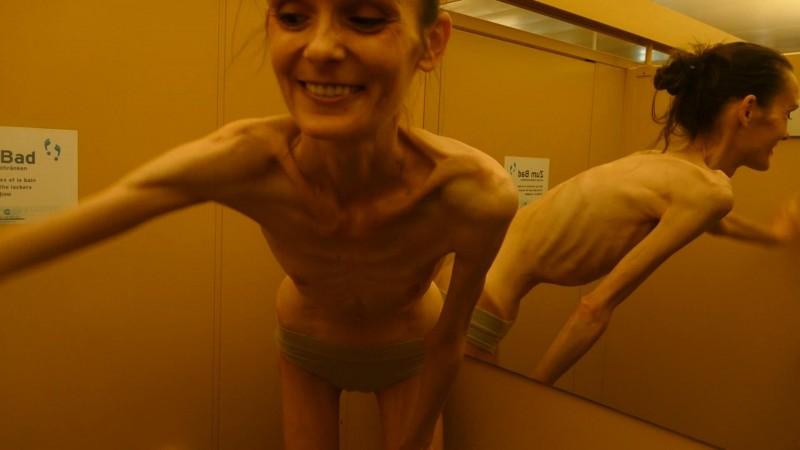 Denisa posing indoors (g4C2y). 04 Dec 2017. Skinnyfans.com (291 Mb)