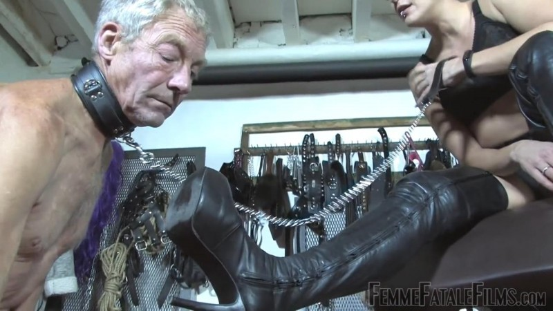 Boots For Worship – Featuring The Hunteress. 15 Nov 2018. Femmefatalefilms.com (168 Mb)