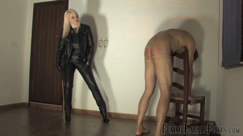 Caning For A Kiss – Featuring Divine Mistress Heather. 28 Dec 2018. Femmefatalefilms.com (1641 Mb)