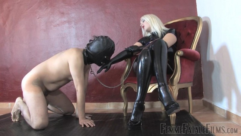 Latex Love – Featuring Divine Mistress Heather. 21 Sep 2018. Femmefatalefilms.com (124 Mb)