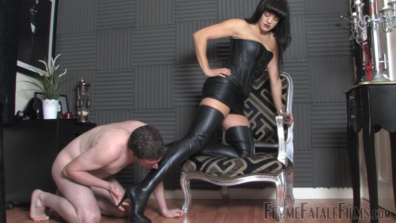 Leather Boot Lover – Featuring The Hunteress. 06 Feb 2019. Femmefatalefilms.com (607 Mb)