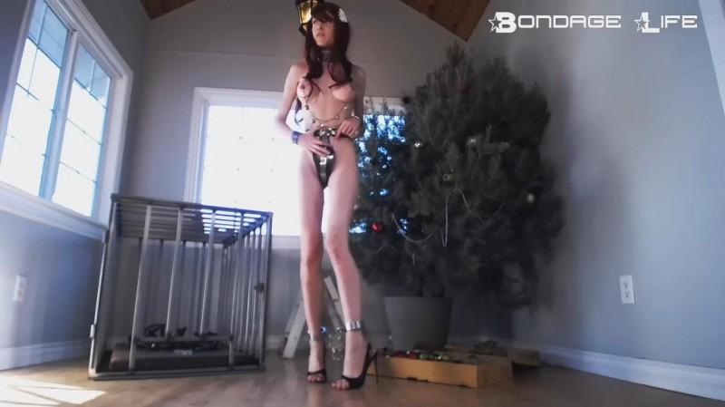 Decorating The Christmas Tree – Rachel Greyhound. 12/24/2018. Bondagelife.com (255 Mb)