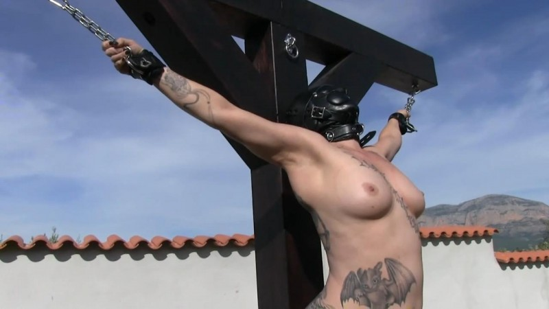 TattooeD Momo on the Cross (tx415). Jan 08 2019. Toaxxx.com (114 Mb)