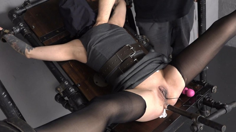 Plug in the ass – Lola Devil. 2019-01-04. Amateure-Xtreme.com (173 Mb)