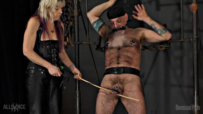 Flogging slave Larry. Mar 27 2019. Sensualpain.com (1337 Mb)