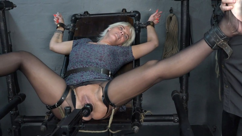 Fucking machine and feet tickle – Lissy. 2019-10-01. Amateure-Xtreme.com (198 Mb)