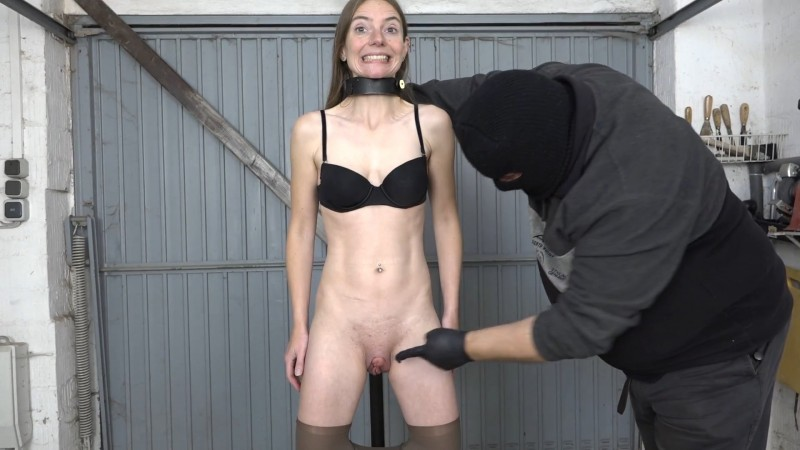 Pee and blow – Karina. 2019-11-05. Amateure-Xtreme.com (156 Mb)