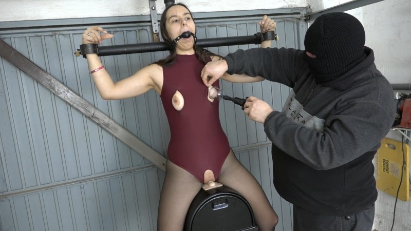 In the body on the Sybian – Aiyana. 2020-03-03. Amateure-Xtreme.com (120 Mb)