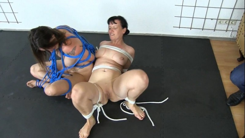 Escape on BDSM Day. 2020-01-16. Studio-Costeau.com (576 Mb)