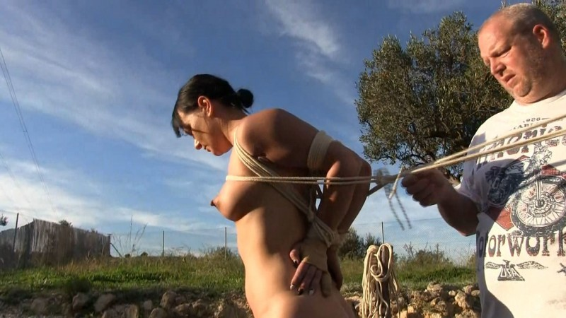 On the stake. Yvette-Xtreme.com (1168 Mb)