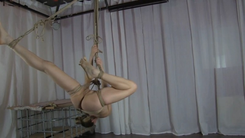 Selfsuspension by Wendy. 2017-09-28. Studio-Costeau.com (278 Mb)
