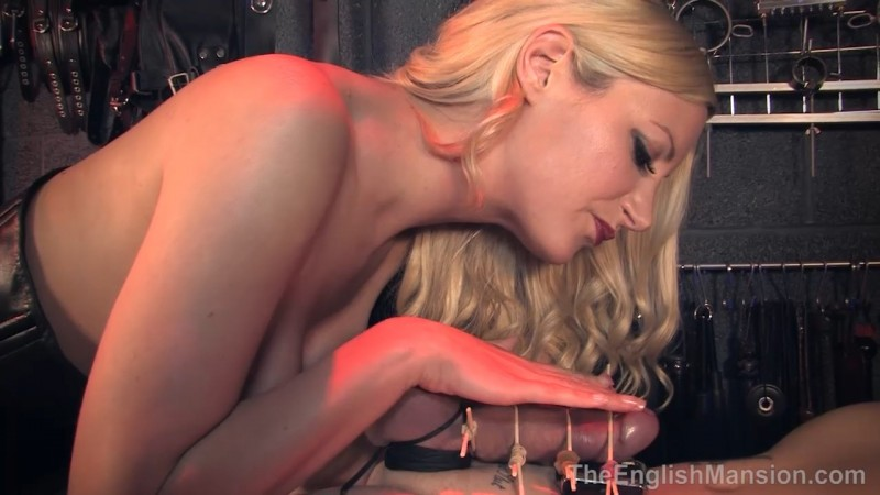 Cruel Mistress Session - Mistress Nikki Whiplash. Theenglishmansion.com (698 Mb)