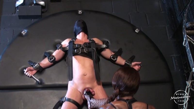 Kiana´s Slave At The Cross - Mistress Kiana. Kinkymistresses.com (267 Mb)