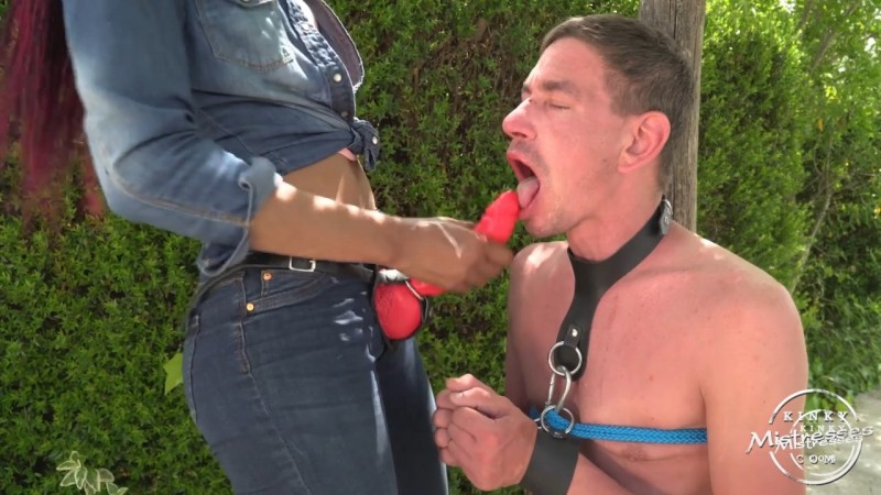 Chocolate Bijoux - Suck My red strap-on - Bijoux Chocolate. Kinkymistresses.com (97 Mb)