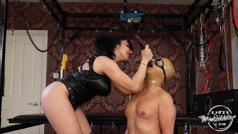 Deep Throat Fucking - Mistress Damara. Kinkymistresses.com (328 Mb)