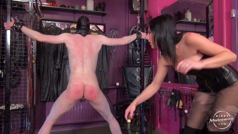 Whipped In The Dutch Dungeon - Mistress Anita Divina. Kinkymistresses.com (490 Mb)