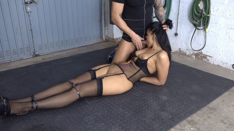 Blow Job in the garage - Christy Ley. 2020-10-06. Amateure-Xtreme.com (238 Mb)