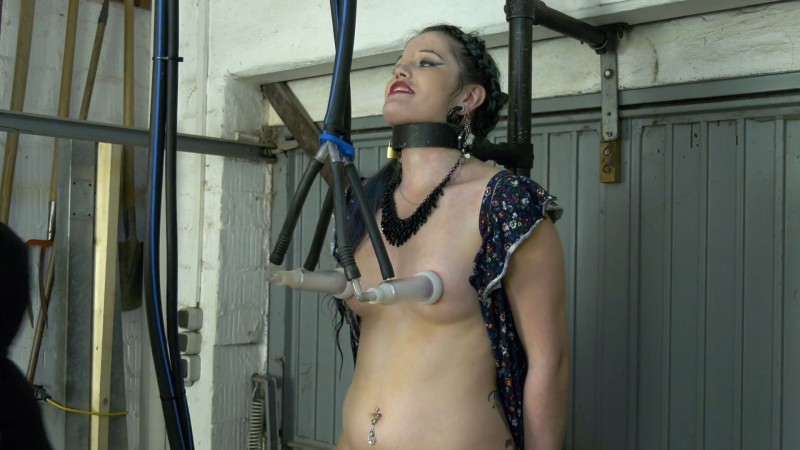 Doreen rides the Sybian. 2020-06-30. Amateure-Xtreme.com (180 Mb)