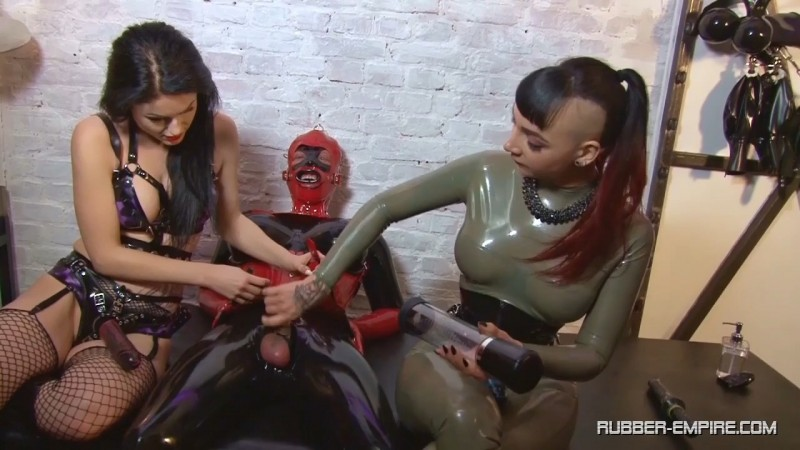 Lady Blackdiamoond - The Rubber Doll Orgy Part 1. 2019-04-12. Rubber-empire.com (435 Mb)