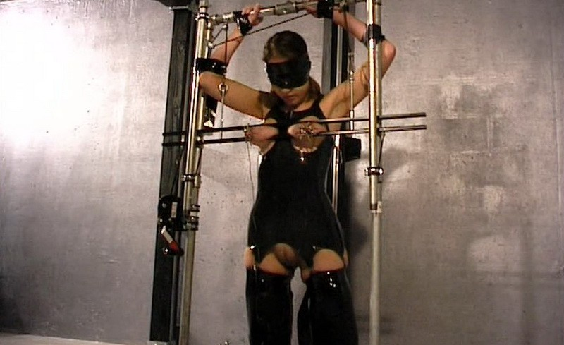 More Tit Torture in Rubber for Slave Eve (bip163). Dec 21 2019. Breastsinpain.com (765 Mb)