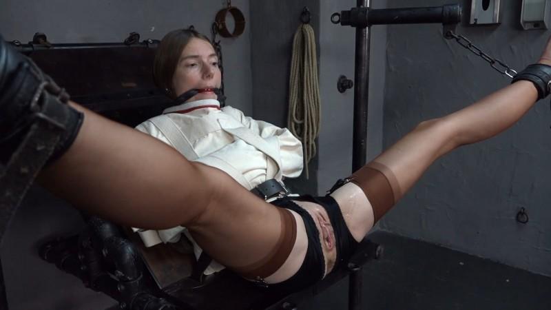 Nylon girl is fisted - Karina. 2020-10-12. Amateure-Xtreme.com (76 Mb)