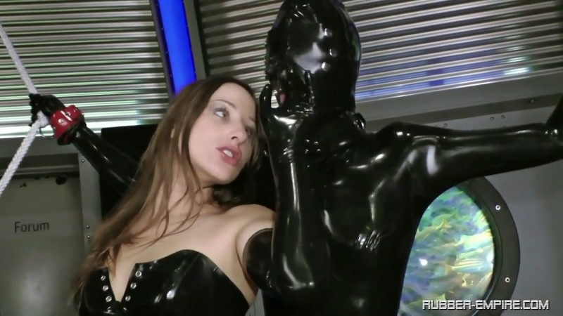 Rubber dolls are there to play - Hally Tomas. 2019-06-20. Rubber-empire.com (512 Mb)