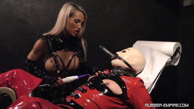 Calea Toxic - Orgasm fight. 2020-01-16. Rubber-empire.com (464 Mb)