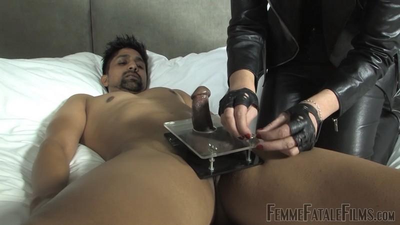 Chastity Milking - Mistress Akella. 25th May 2020. Femmefatalefilms.com (461 Mb)