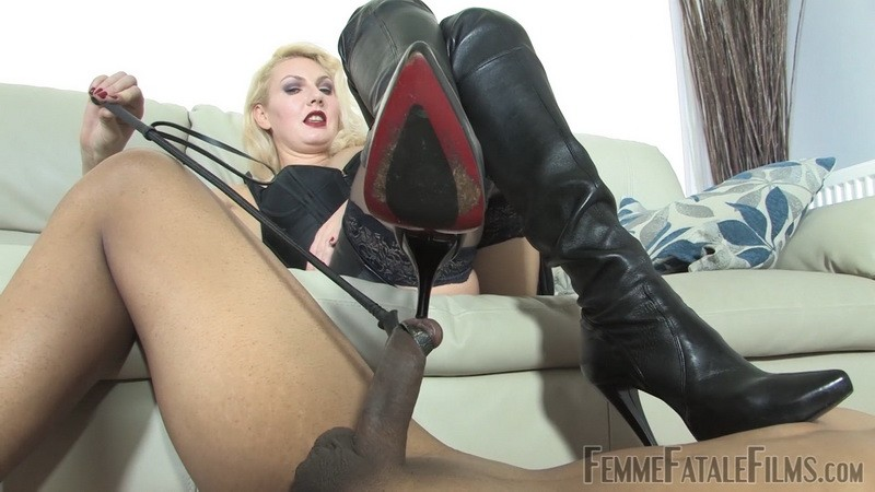 Hungry For Leather Boots - Mistress Akella. 7th Apr 2020. Femmefatalefilms.com (889 Mb)