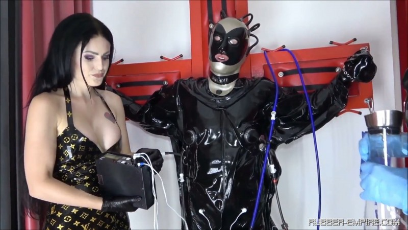 Serious Kit - There is no escape Part1 - Lady Blackdiamoond. 2019-11-03. Rubber-empire.com (861 Mb)