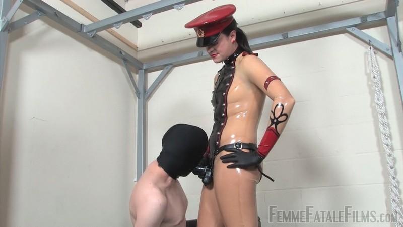 Military Drilling - The Hunteress. 18th Oct 2020. Femmefatalefilms.com (1399 Mb)