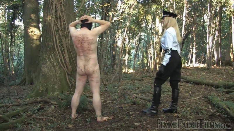 Out in the Cold - Mistress Eleise de Lacy. 2nd Nov 2020. Femmefatalefilms.com (364 Mb)