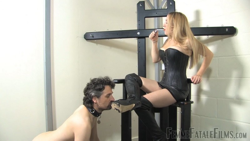 Spit Clean Boots - Ms Nikki. 4th Nov 2020. Femmefatalefilms.com (1000 Mb)