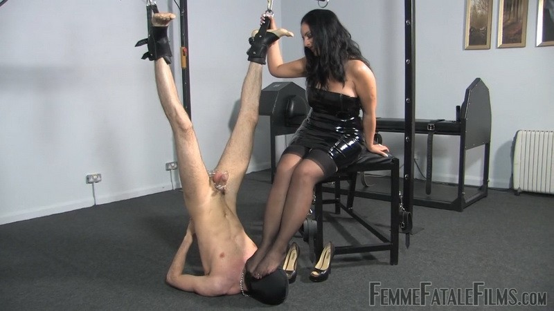 The Worship Hoist - Mistress Ezada Sinn. 8th Nov 2020. Femmefatalefilms.com (250 Mb)