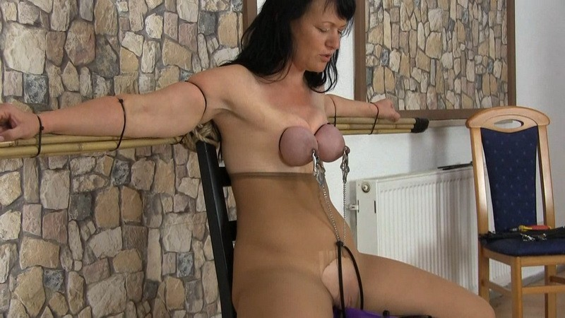 Tights and Ties. Yvette-Xtreme.com (633 Mb)