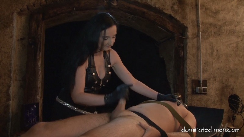 Dungeon Delight - Mistress Luciana di Domizio. 2020-01-17. Dominated-men.com (420 Mb)