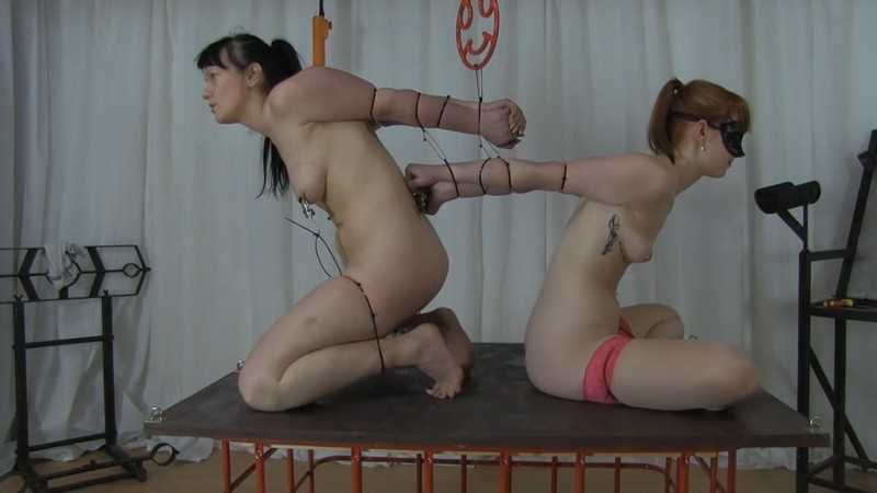 Extreme double strappado - Miss X. 2020-05-27. Studio-Costeau.com (485 Mb)